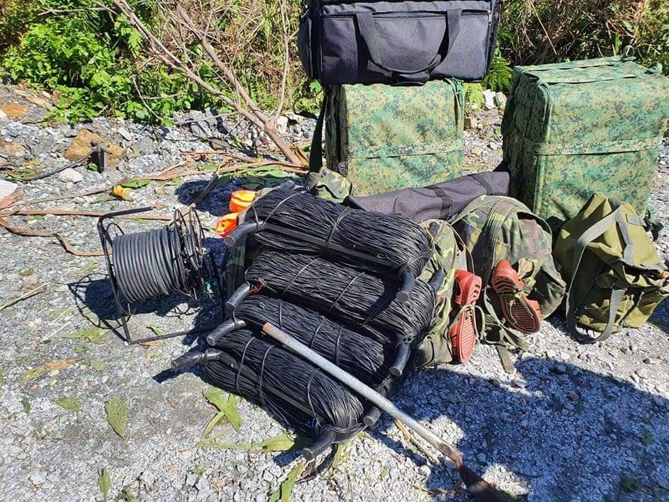 Ảnh, clip: Những hình ảnh trực tiếp của cuộc tìm kiếm cứu nạn vụ sạt lở vùi lấp hơn 50 người ở Nam Trà My - Ảnh 18.