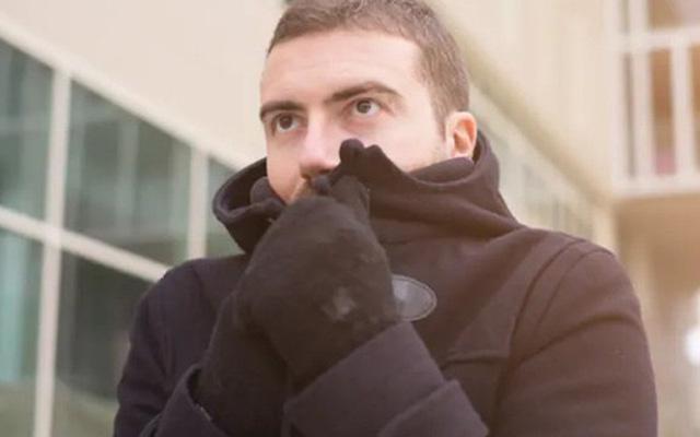 Vì sao mặc áo cotton là sai lầm lớn khi trời rét? - Ảnh 1.