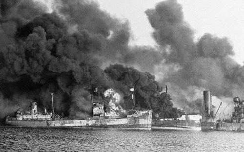 """Trận đánh """"tiểu Trân Châu Cảng"""" của Đức vào phe Đồng minh khủng khiếp ra sao? - Ảnh 1."""