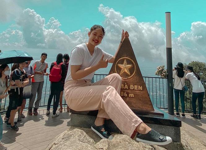 Giải nghệ ở tuổi 22, hoa khôi bóng chuyền Dương Thị Hên... xinh đẹp hút hồn - Ảnh 14.