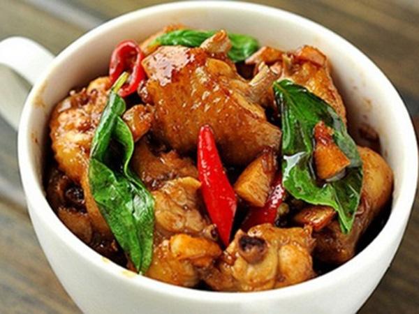 Thịt gà rang thông thường đã nhàm, thêm chút lá gia vị này, dậy mùi thơm, lạ miệng, hao cơm - Ảnh 4.