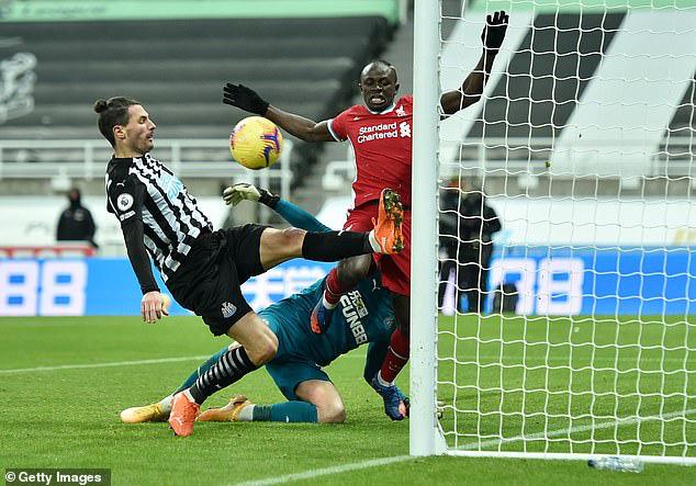 6 hậu vệ rẻ và chất lượng cho Liverpool chọn trong tháng 1 - Ảnh 4.