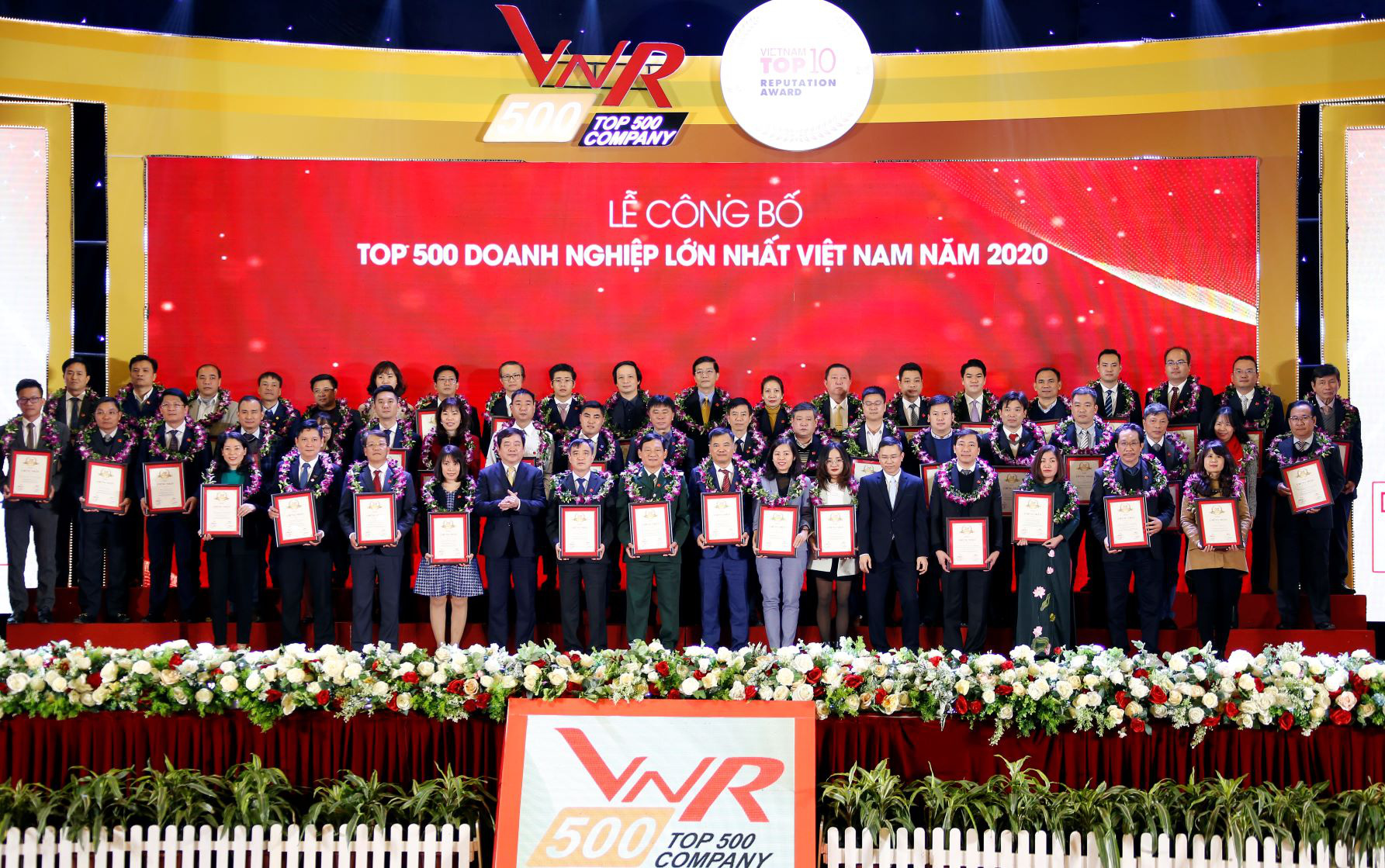 Tập đoàn Đất Xanh tiếp tục được vinh danh Top 10 doanh nghiệp BĐS tư nhân lớn nhất Việt Nam năm 2020 - Ảnh 1.