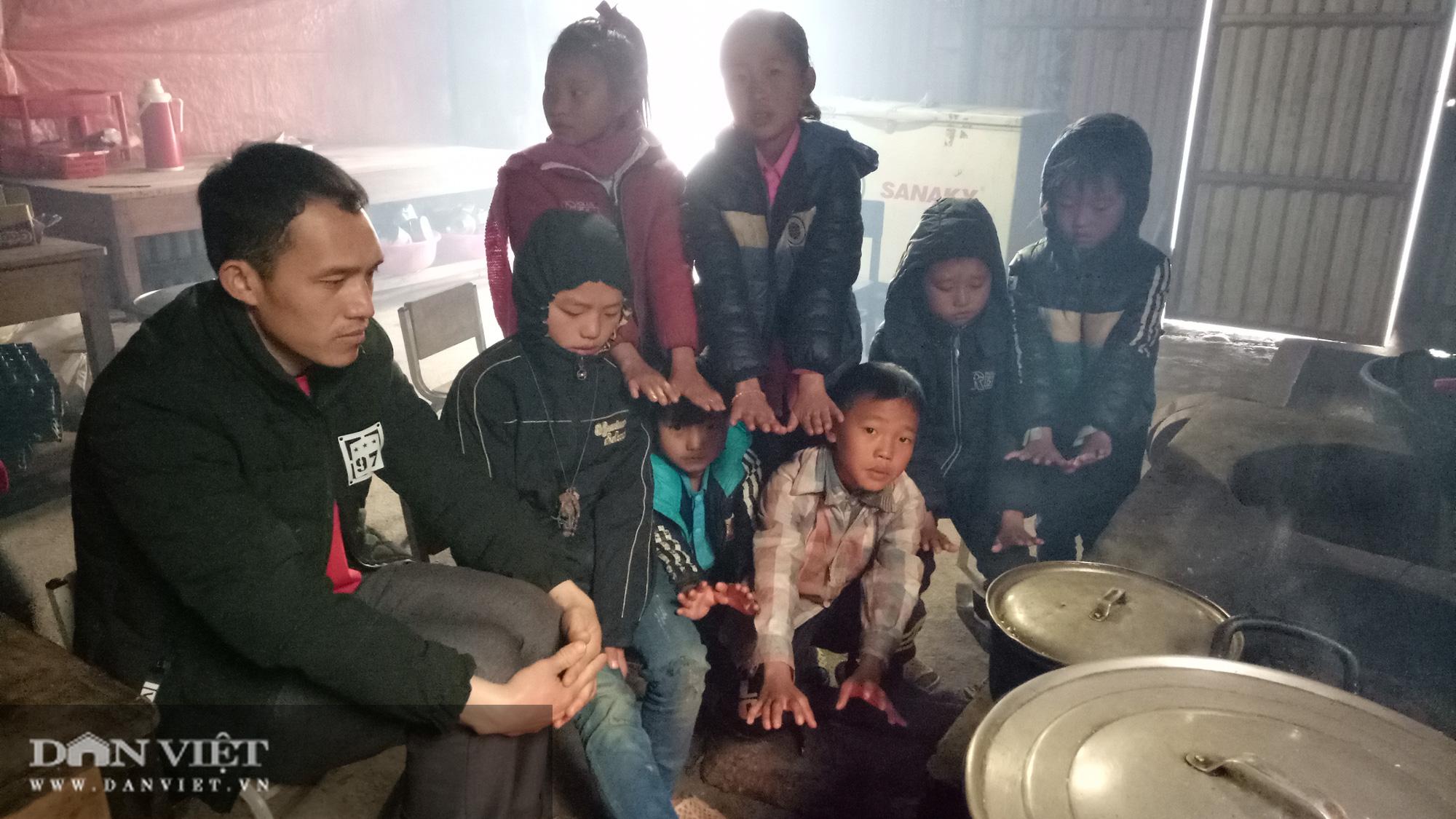 Hàng trăm trường học ở Sơn La cho học sinh nghỉ học do rét đậm - Ảnh 1.