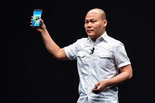 Điện thoại Bphone của CEO Nguyễn Tử Quảng gây sốc dịp Tết - Ảnh 1.