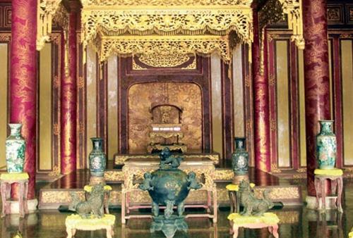 Chiếc ngai vàng duy nhất còn lại của triều Nguyễn hiện ở đâu? - Ảnh 1.