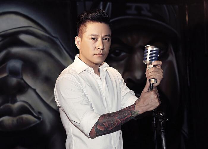 Nam ca sĩ Tuấn Hưng