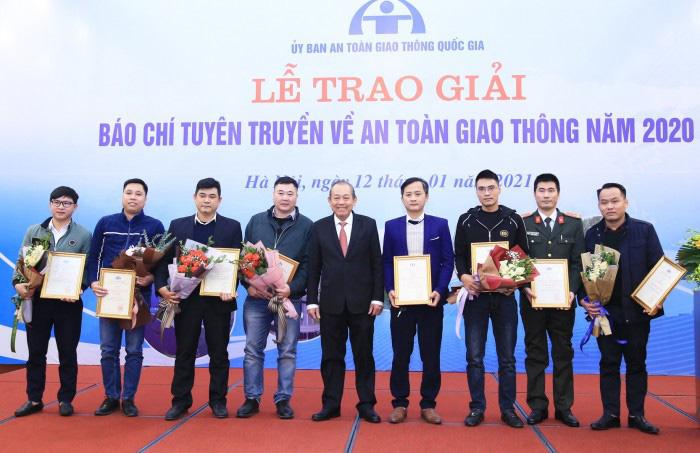 Báo Dân Việt đạt giải báo chí tuyên truyền về an toàn giao thông năm 2020 - Ảnh 1.