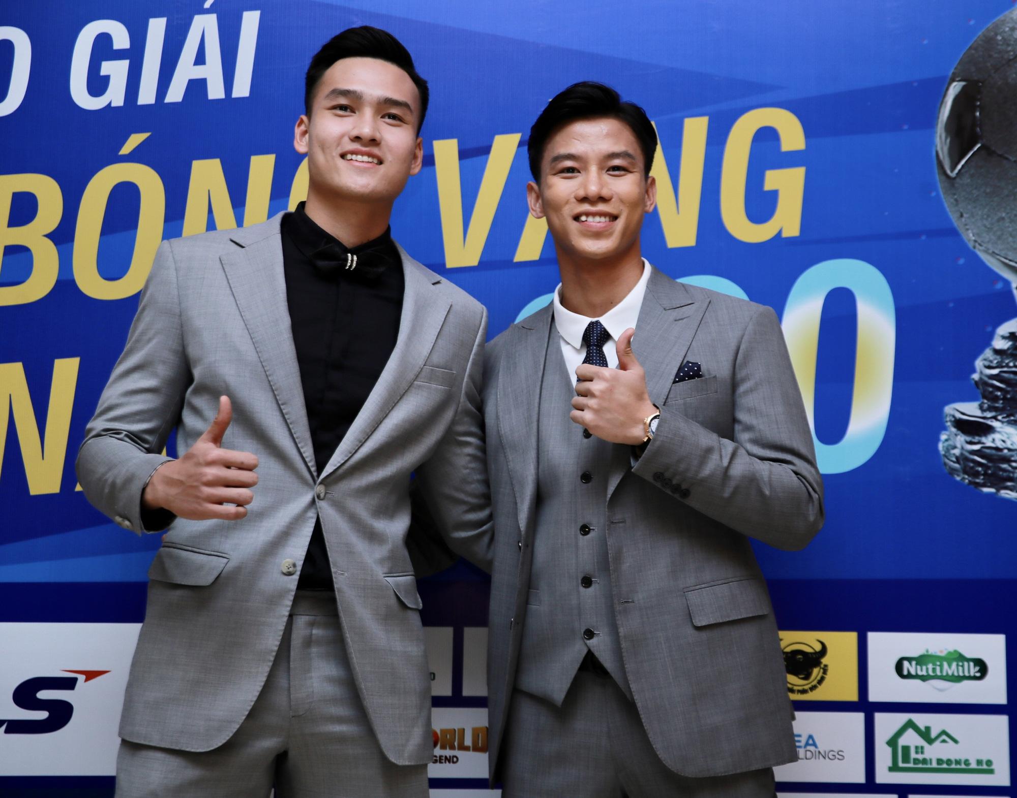 Cầu thủ trẻ Bùi Hoàng Việt Anh được vinh danh - Ảnh 1.