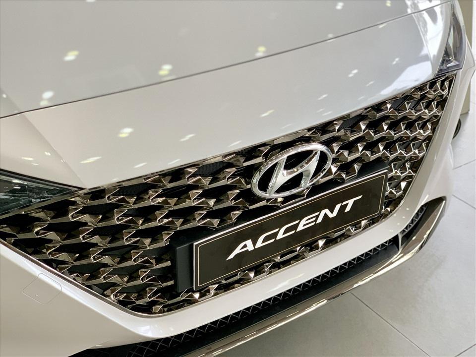 Thiết kế hút khách Việt, Hyundai Accent so kè cực gắt Toyota Vios - Ảnh 2.