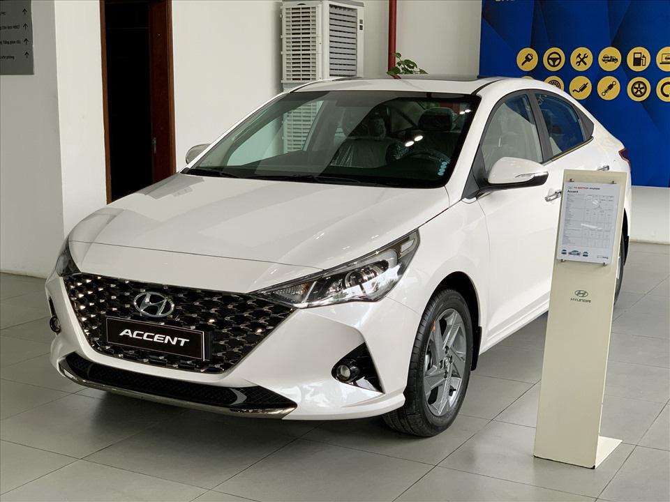 Thiết kế hút khách Việt, Hyundai Accent so kè cực gắt Toyota Vios - Ảnh 1.