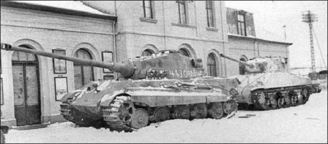 """Vì sao """"kẻ hủy diệt"""" Tiger II không phải cỗ xe tăng mạnh nhất? - Ảnh 4."""