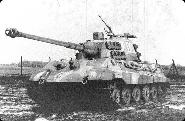 """Vì sao """"kẻ hủy diệt"""" Tiger II không phải cỗ xe tăng mạnh nhất? - Ảnh 2."""