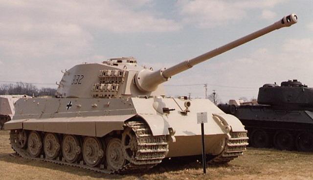 """Vì sao """"kẻ hủy diệt"""" Tiger II không phải cỗ xe tăng mạnh nhất? - Ảnh 1."""