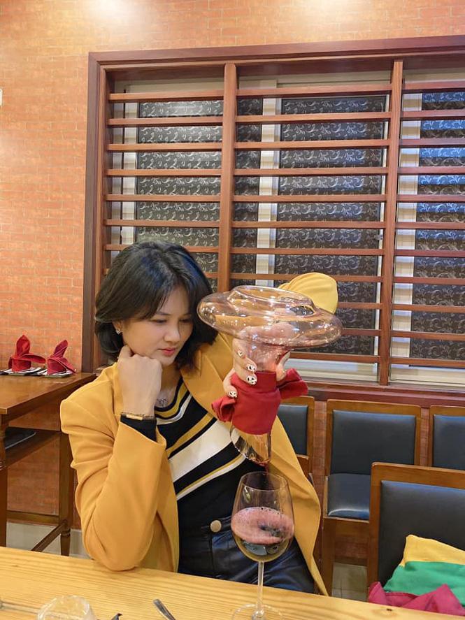 Hoa khôi bóng chuyền Kim Huệ tiết lộ sở thích... sang chảnh tuổi 39 - Ảnh 11.