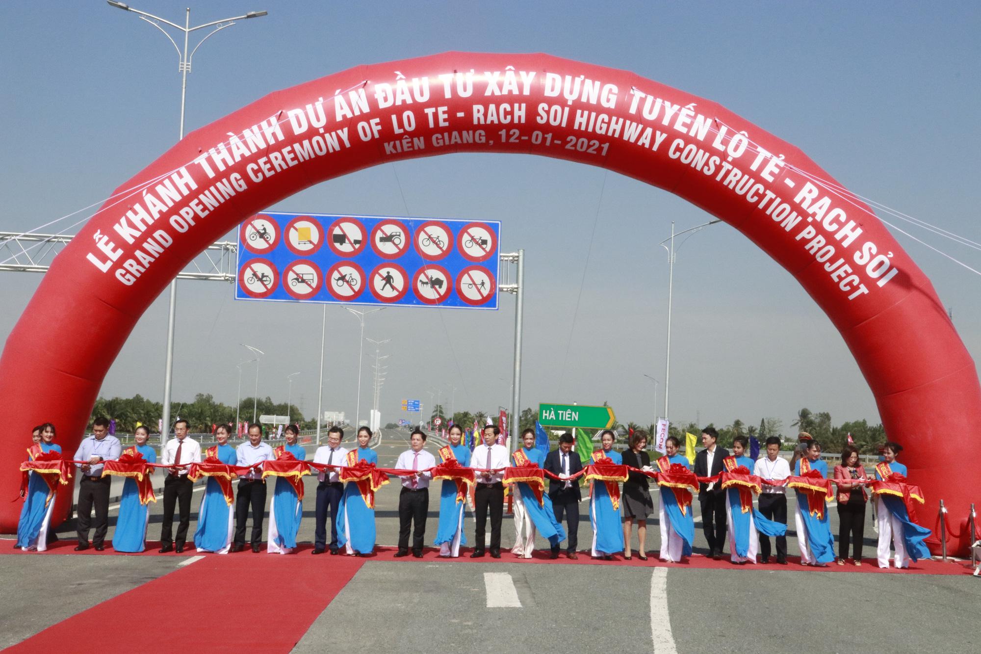 Khánh thành tuyến Lộ Tẻ - Rạch Sỏi: Thúc đẩy phát triển kinh tế - xã hội và kết nối giao thông khu vực ĐBSCL - Ảnh 1.
