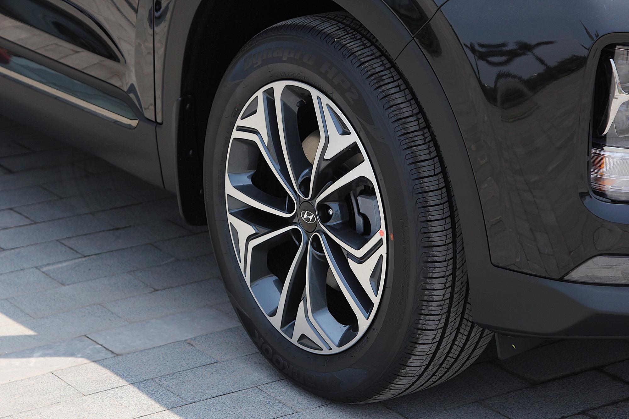 Phân khúc 1 tỷ đồng, chủ xe Hyundai SantaFe đánh giá ngỡ ngang - Ảnh 4.