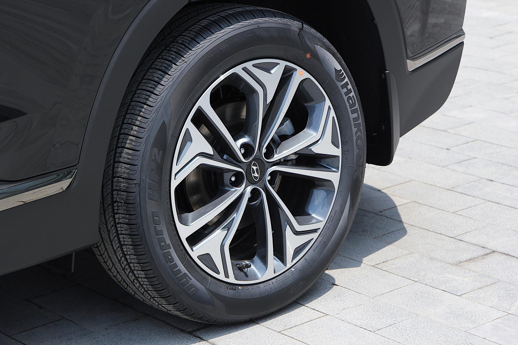 Phân khúc 1 tỷ đồng, chủ xe Hyundai SantaFe đánh giá ngỡ ngang - Ảnh 6.