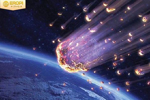 Một thiên thạch vừa phát nổ ở Nga - Ảnh 1.