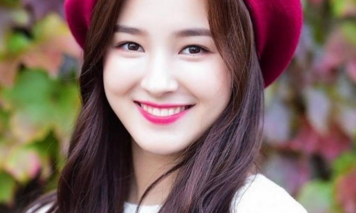 Nancy (Momoland) ca sĩ Hàn Quốc bị phát tán ảnh nhạy cảm tại AAA Việt Nam xinh đẹp đến cỡ nào? - Ảnh 14.