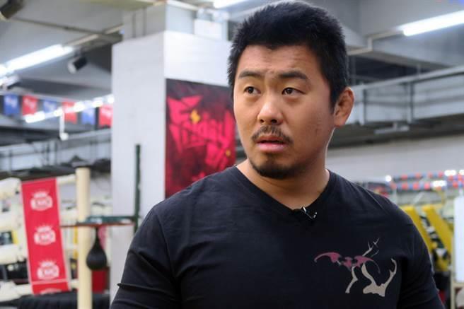 Chưởng môn Nam Huỳnh Đạo có chịu được những cú đấm của Từ Hiểu Đông? - Ảnh 1.