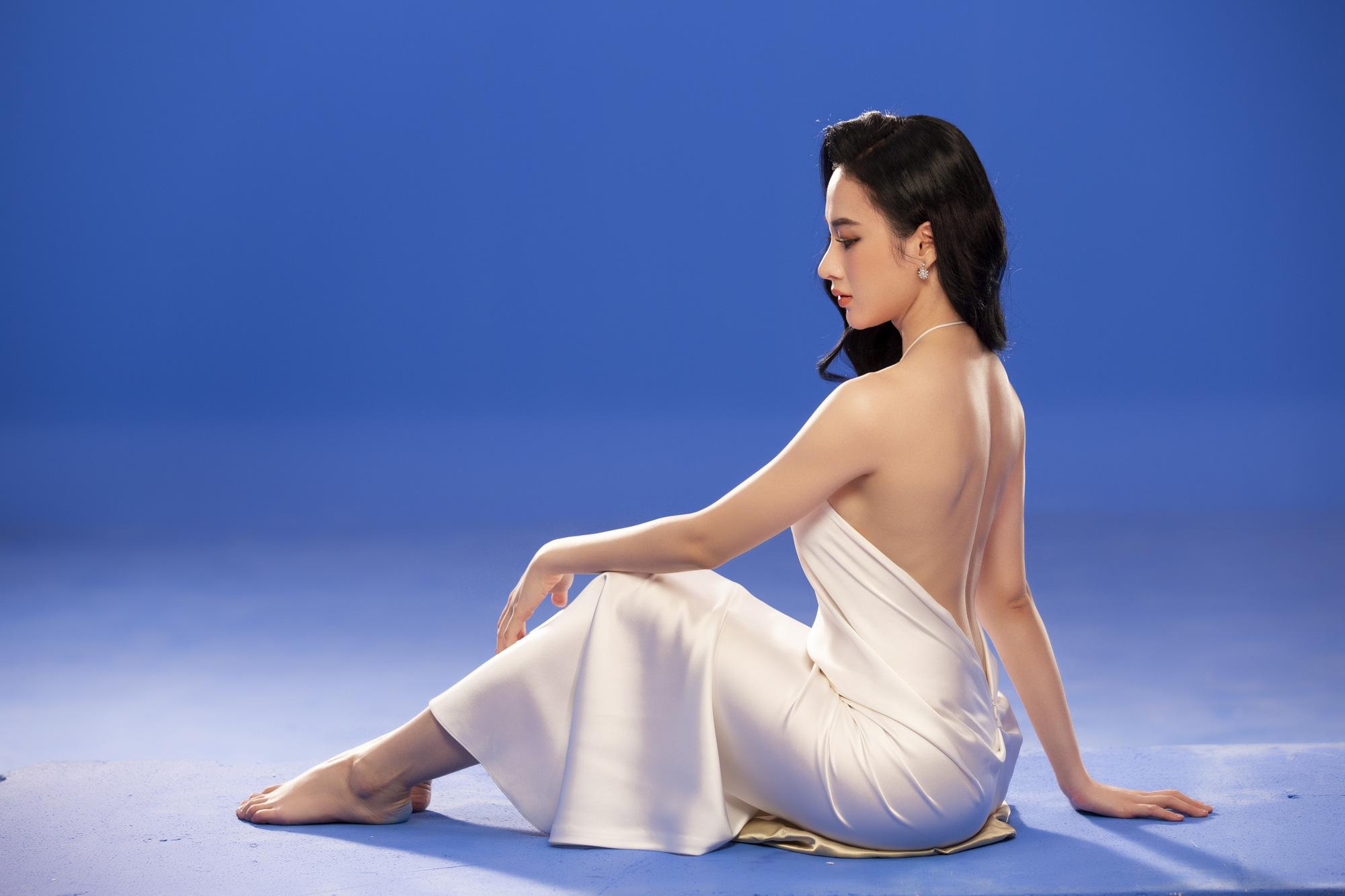 Angela Phương Trinh mặc áo yếm đẹp tựa nữ thần sau clip táo bạo dưới nước - Ảnh 3.