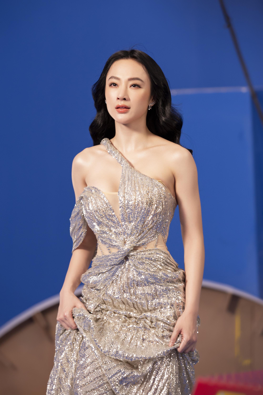 Angela Phương Trinh mặc áo yếm đẹp tựa nữ thần sau clip táo bạo dưới nước - Ảnh 6.
