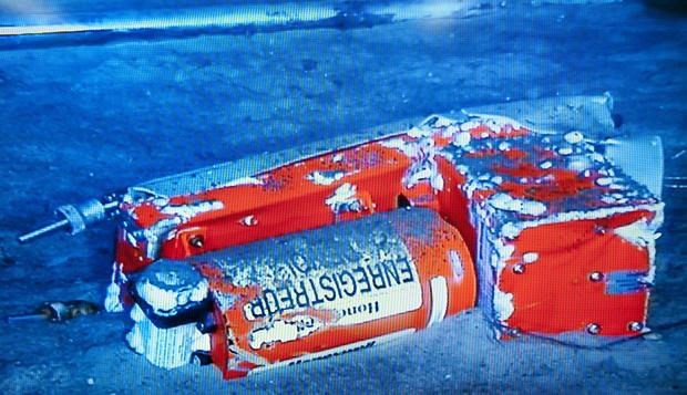 7 sự thật về hộp đen - Vật dụng tối quan trọng để biết chuyện gì đã xảy ra với chiếc máy bay Boeing 737 vừa rơi thảm khốc tại Indonesia - Ảnh 4.