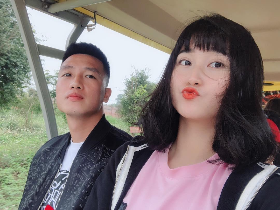 4 nàng WAG Việt chuộng phong cách ăn mặc sexy, quyến rũ? - Ảnh 1.