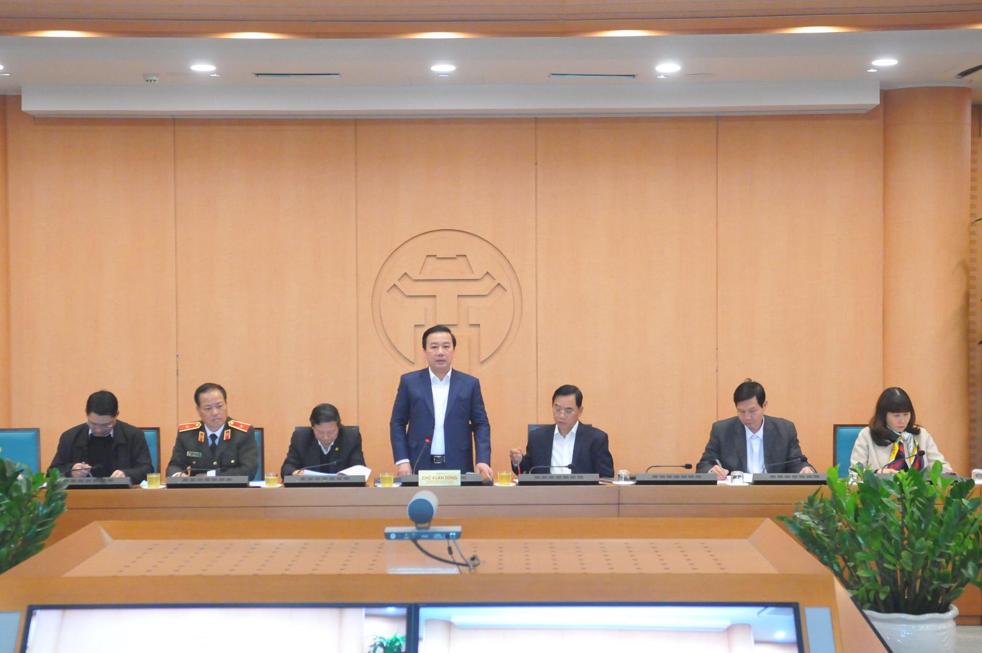 Đại hội XIII của Đảng: Hà Nội lấy mẫu xét nghiệm Covid-19 cho các đại biểu - Ảnh 1.