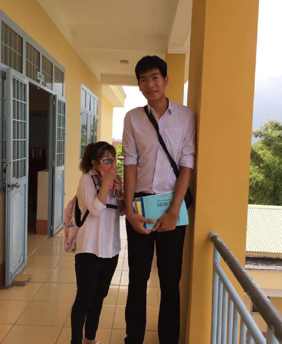 VĐV bóng chuyền Việt Nam 19 tuổi cao 2m10: Bị bạn bè trêu vì... quá cao - Ảnh 4.