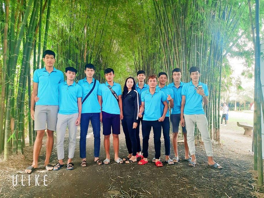 VĐV bóng chuyền Việt Nam 19 tuổi cao 2m10: Bị bạn bè trêu vì... quá cao - Ảnh 3.