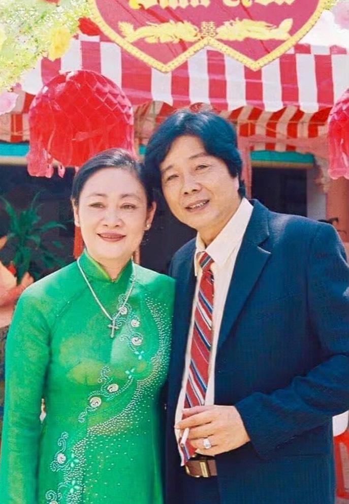 """NSND Trọng Hữu """"Tướng cướp Bạch Hải Đường"""" hạnh phúc bên vợ đảm - Ảnh 4."""