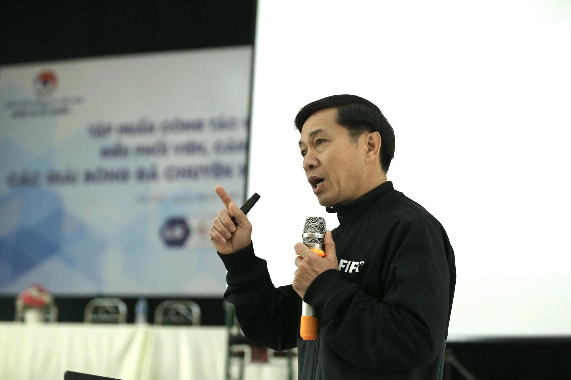 Trưởng ban trọng tài Dương Văn Hiền: 'Sai sót là không tránh khỏi' - Ảnh 1.