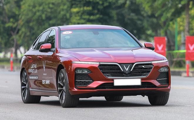 Hấp dẫn giá xe VinFast Lux A2.0, trả thẳng chỉ từ 881 triệu đồng - Ảnh 1.