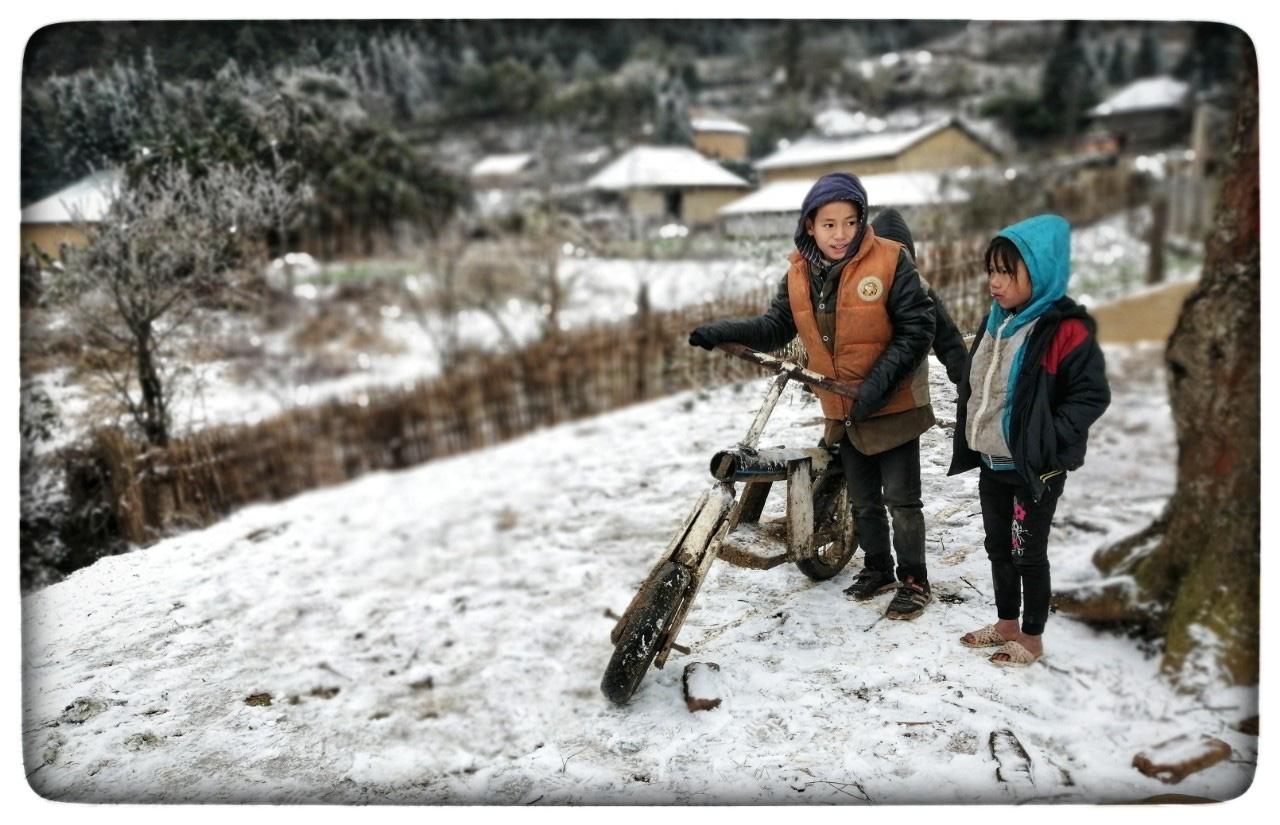 Lào Cai: Lạnh -3 độ C, Y Tý ngày tuyết rơi như chiếc tủ lạnh khổng lồ, đẹp như trời Âu - Ảnh 7.