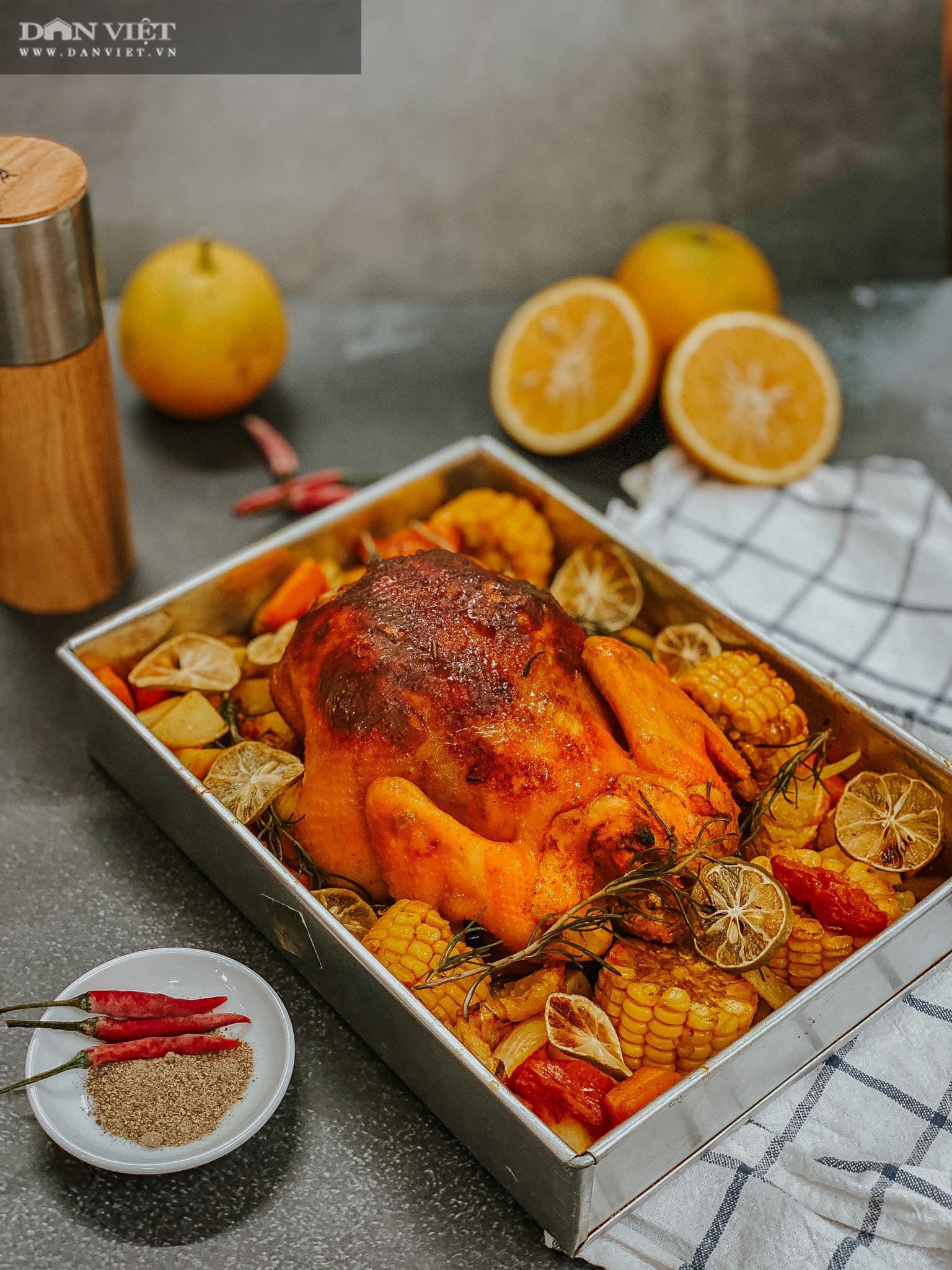 Trời lạnh xuýt xoa với món gà nướng nguyên con với cam và củ quả - Ảnh 3.