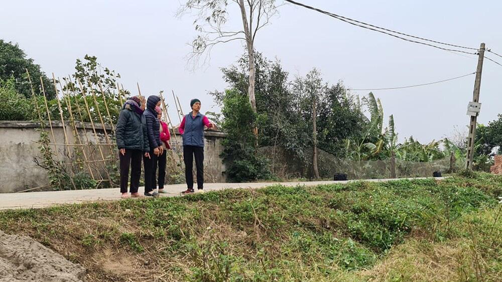 Khởi tố 3 bị can vụ máy ép cọc đè tử vong 2 bé trai ở Bắc Ninh - Ảnh 1.