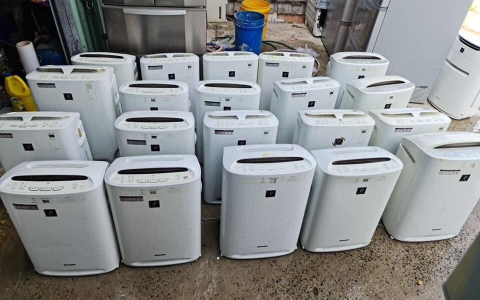 Đột kích kho 'phù phép' biến tủ lạnh, máy lọc không khí cũ thành mới 'keng' rồi bán ra thị trường
