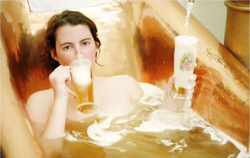 """Tắm bia ở Áo, trải nghiệm đảm bảo khiến bạn """"không say không về"""" - Ảnh 6."""