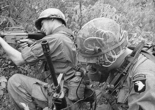 """Mỹ muốn """"hồi sinh"""" sư đoàn dù lừng danh từng tham chiến ở Việt Nam - Ảnh 9."""
