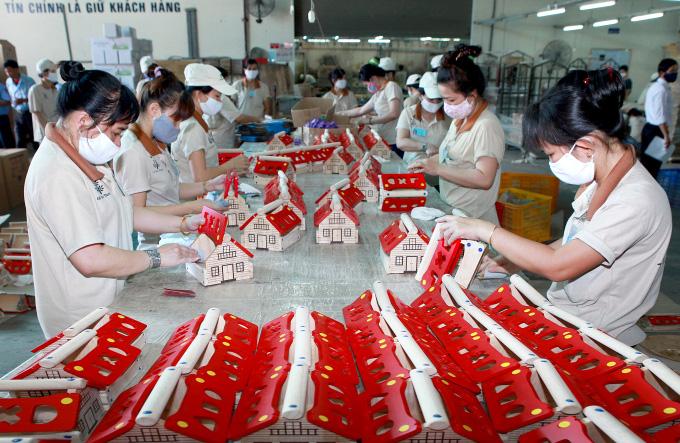 Mỹ tạm thời chưa áp thuế với đồ gỗ Việt Nam - Ảnh 1.