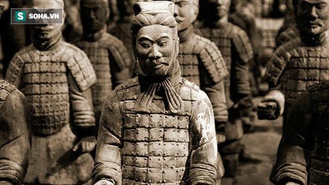 Vì sao tượng binh mã trong lăng Tần Thủy Hoàng có mắt một mí? - Ảnh 1.