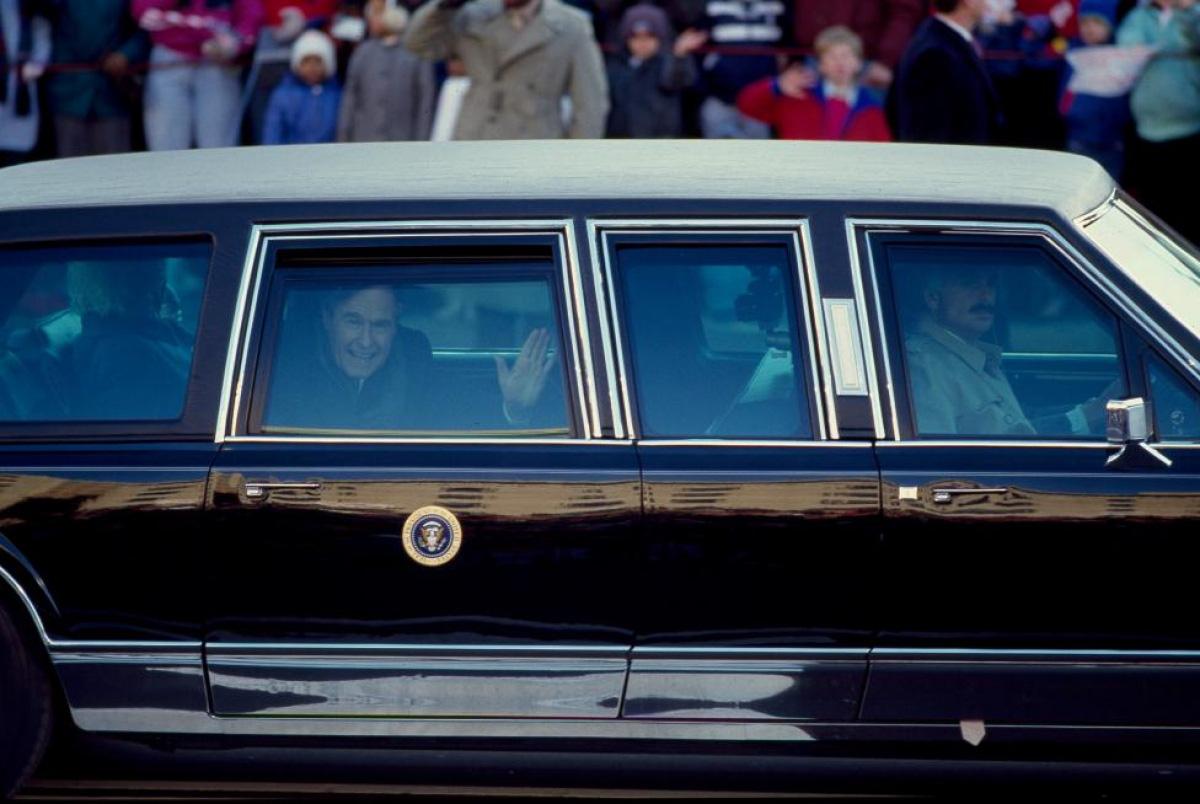 Nhìn lại những hình ảnh ấn tượng trong lễ nhậm chức của các Tổng thống Mỹ - Ảnh 20.
