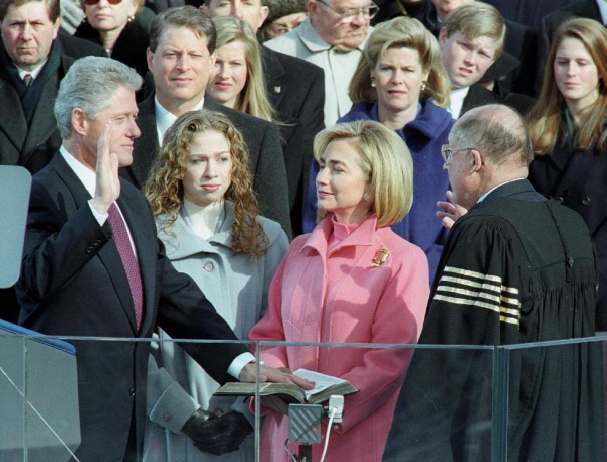 Nhìn lại những hình ảnh ấn tượng trong lễ nhậm chức của các Tổng thống Mỹ - Ảnh 21.