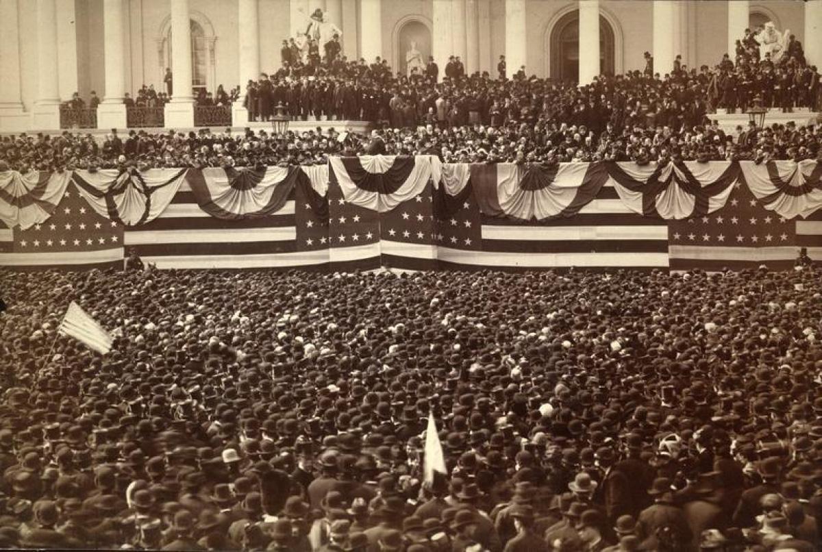 Nhìn lại những hình ảnh ấn tượng trong lễ nhậm chức của các Tổng thống Mỹ - Ảnh 4.
