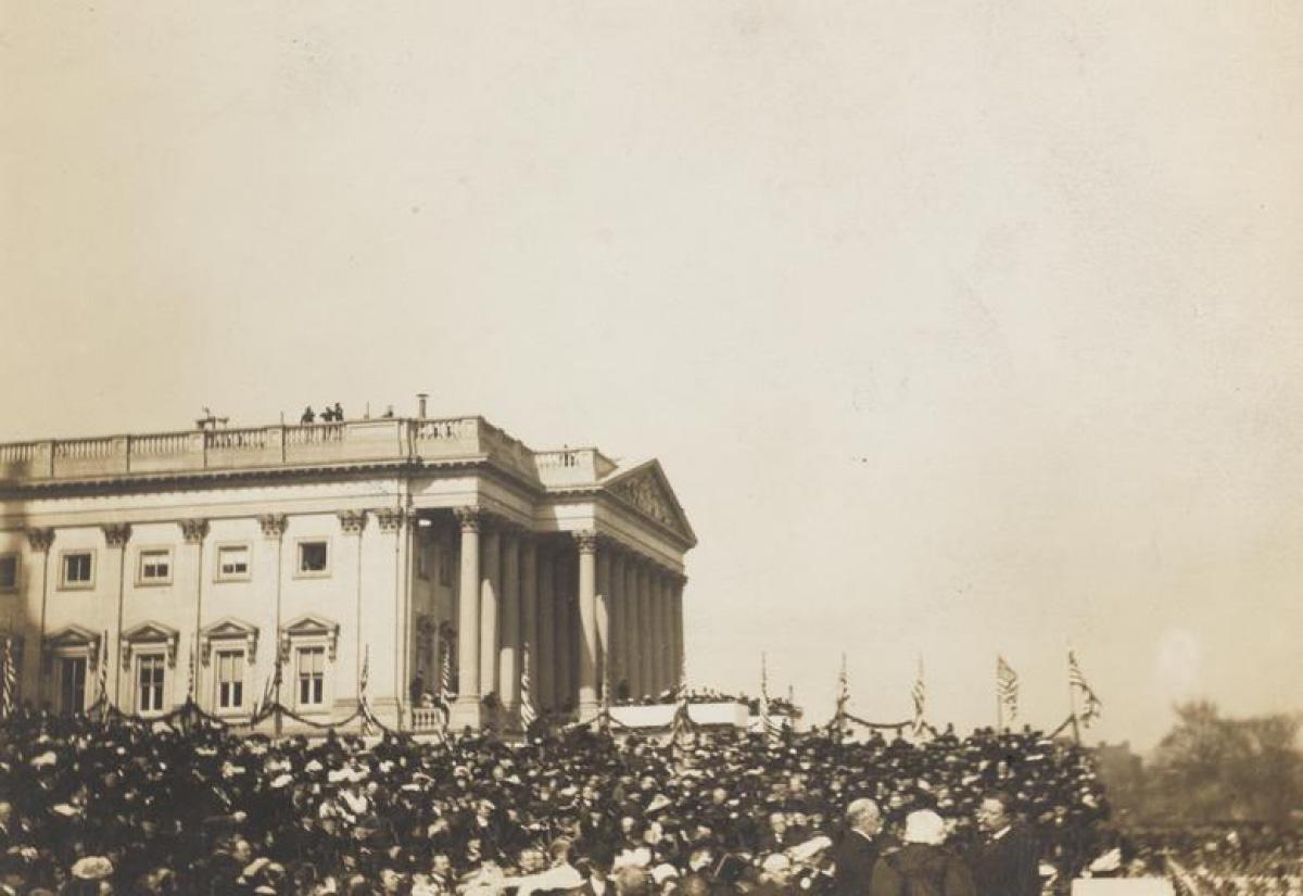 Nhìn lại những hình ảnh ấn tượng trong lễ nhậm chức của các Tổng thống Mỹ - Ảnh 6.