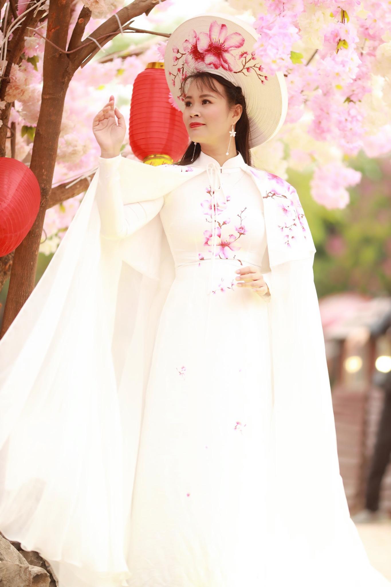 Vẻ đẹp thần tiên tỉ tỉ của Phạm Thị Ngọc Thanh trong bộ ảnh đón xuân - Ảnh 4.