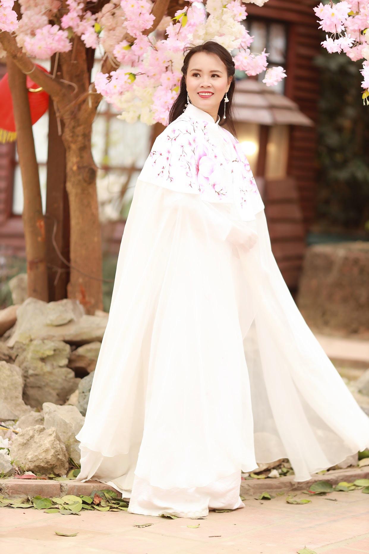 Vẻ đẹp thần tiên tỉ tỉ của Phạm Thị Ngọc Thanh trong bộ ảnh đón xuân - Ảnh 6.
