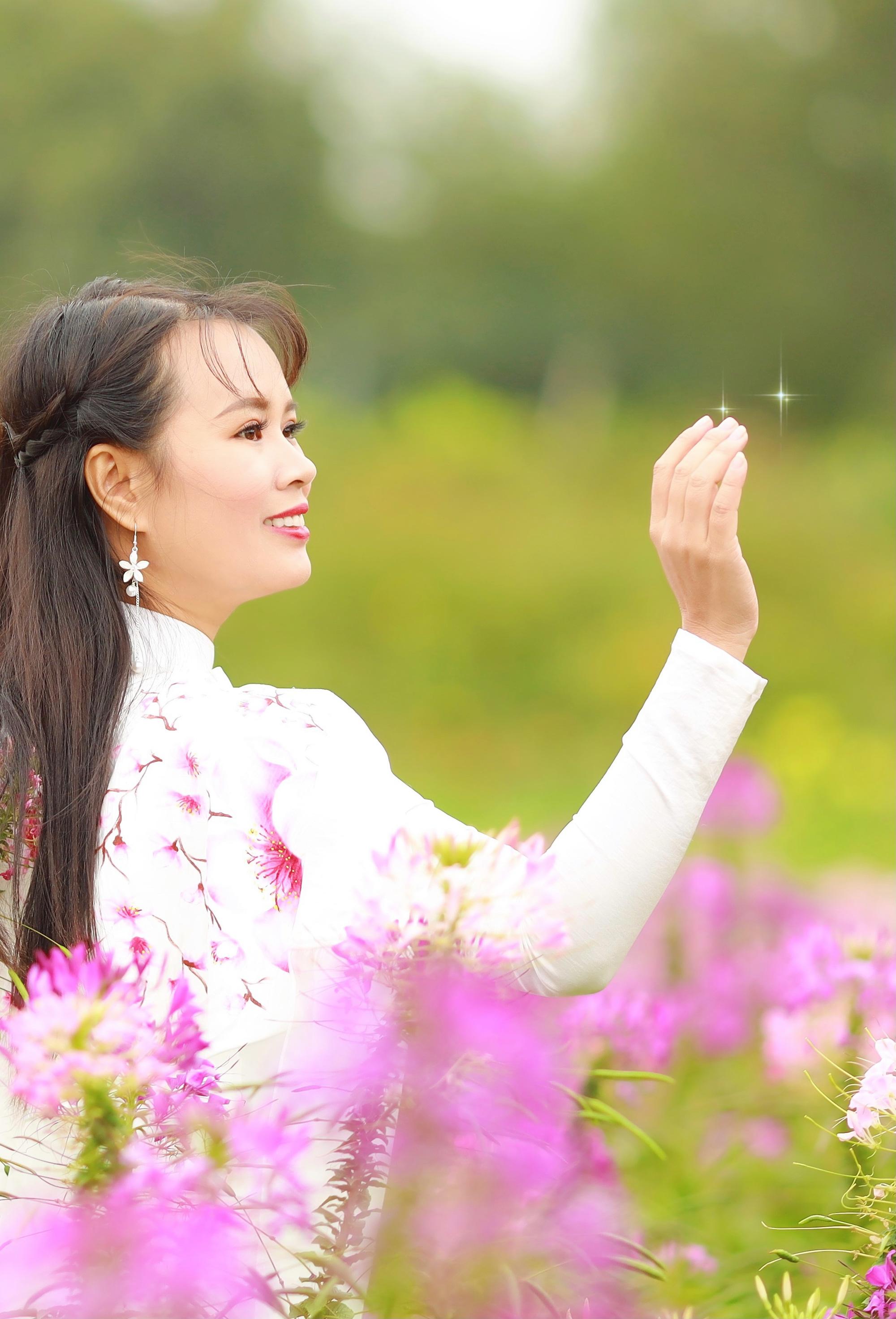 Vẻ đẹp thần tiên tỉ tỉ của Phạm Thị Ngọc Thanh trong bộ ảnh đón xuân - Ảnh 7.